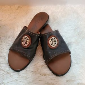 Brighton Molly slides size 8.5 black and brown